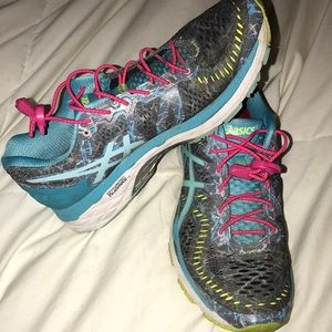 Asics Shoes - Running shoes